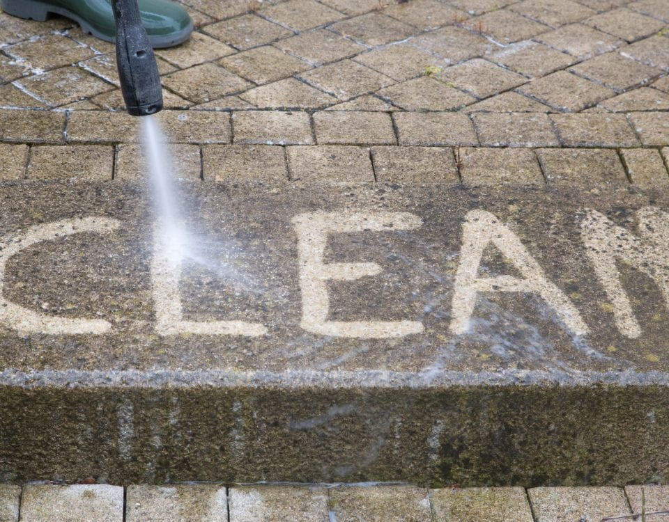 When Is the Best Time to Pressure Wash Your Restaurant?